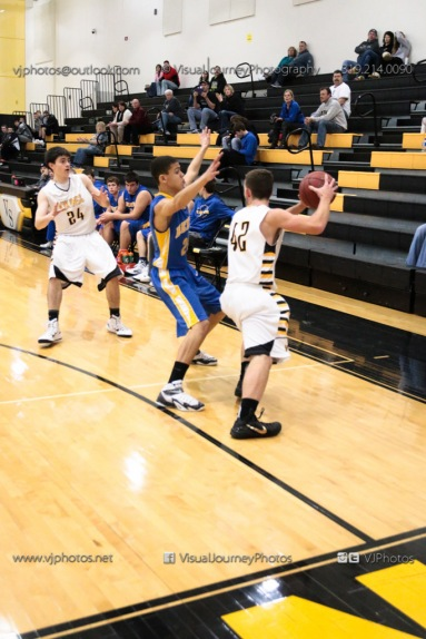 JV Boys Basketball Vinton-Shellsburg vs Benton Community-1334