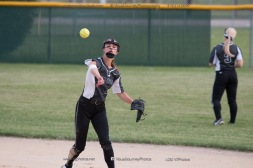 Softball Varsity Vinton-Shellsburg vs Clear Creek Amana 2014-5040