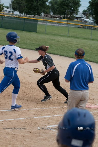 Softball Varsity Vinton-Shellsburg vs Clear Creek Amana 2014-5095