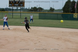 Softball Varsity Vinton-Shellsburg vs Clear Creek Amana 2014-5120