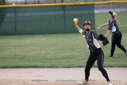 Softball Varsity Vinton-Shellsburg vs Clear Creek Amana 2014-5156