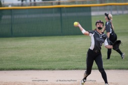 Softball Varsity Vinton-Shellsburg vs Clear Creek Amana 2014-5157