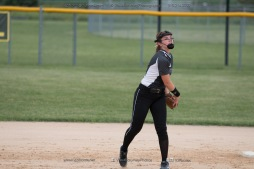 Softball Varsity Vinton-Shellsburg vs Clear Creek Amana 2014-5167