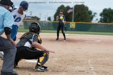 Softball Varsity Vinton-Shellsburg vs Clear Creek Amana 2014-5174