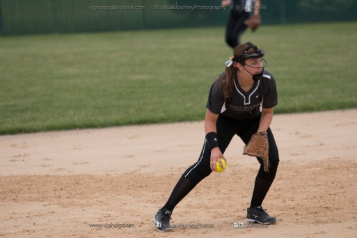 Softball Varsity Vinton-Shellsburg vs Clear Creek Amana 2014-5247
