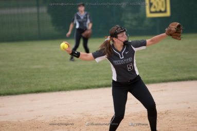 Softball Varsity Vinton-Shellsburg vs Clear Creek Amana 2014-5249