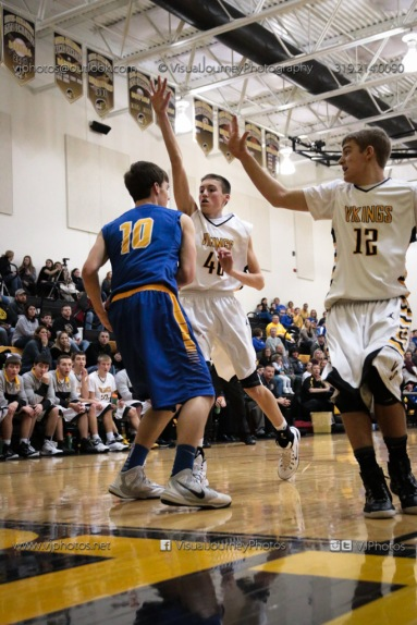 Varsity Basketball Vinton-Shellsburg vs Benton Community-9381