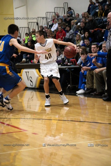 Varsity Basketball Vinton-Shellsburg vs Benton Community-9560