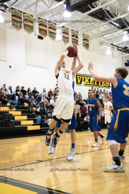 Varsity Basketball Vinton-Shellsburg vs Benton Community-9594