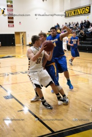 Varsity Basketball Vinton-Shellsburg vs Benton Community-9813
